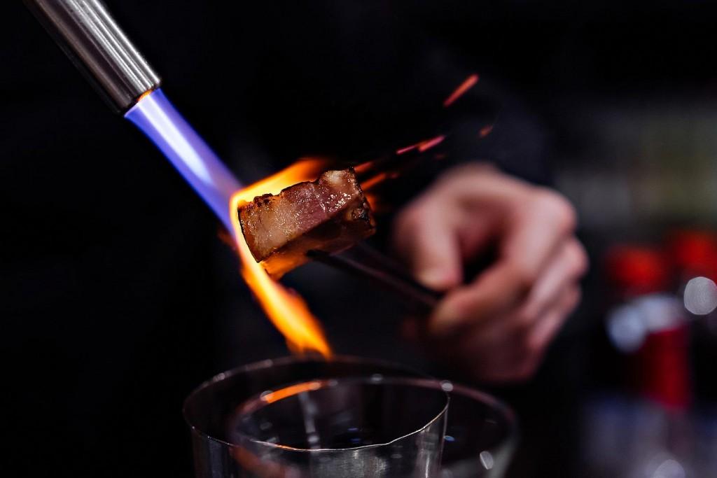 food meat carne fire fuoco chef michelin cibo champagne alberto feltrin still life chiaroscuro natural light
