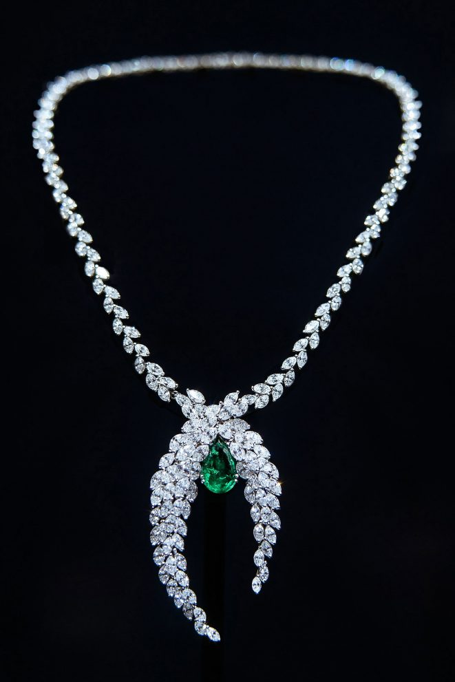 piaget parure necklace collana emerald emeraudes smeraldo aute joaillerie alta gioielleria high jewellery diamonds diamanti still life alberto feltrin