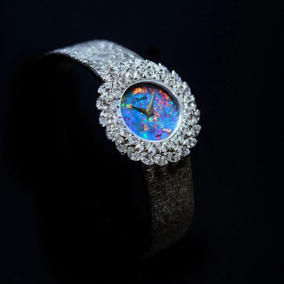 piaget 9P montre joaillerie aute bracciale orologio bracelet watch high jewellery alta gioielleria opal opale diamonds diamanti still life alberto feltrin
