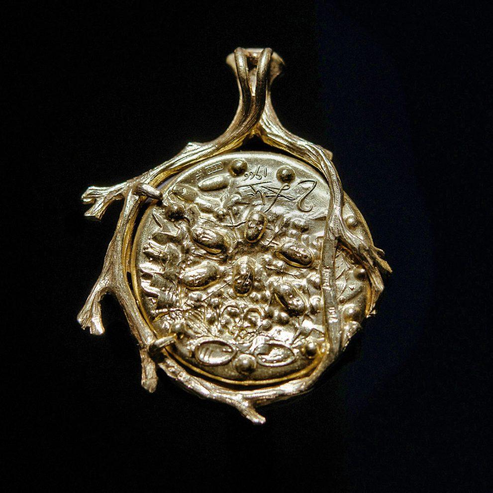 piaget still life dalì d'or pendentif pendente pendant gold or alberto feltrin