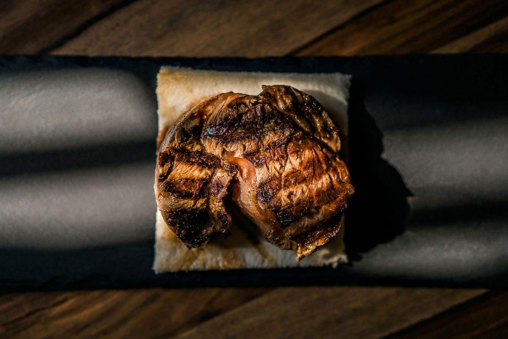 food meat carne filet filetto food chef michelin cibo champagne alberto feltrin still life chiaroscuro natural light