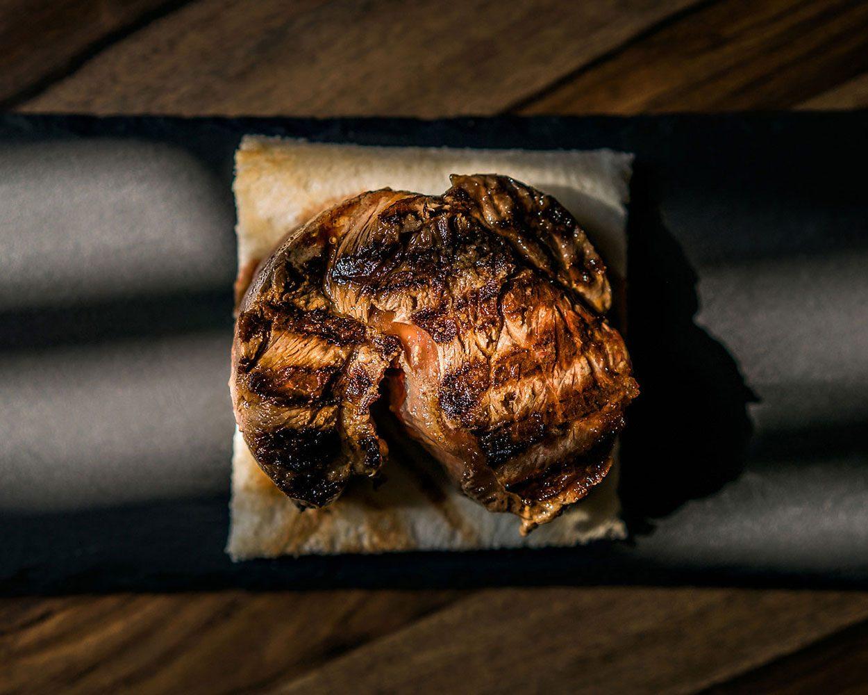 meat carne filet filetto food chef michelin cibo champagne alberto feltrin still life chiaroscuro natural light