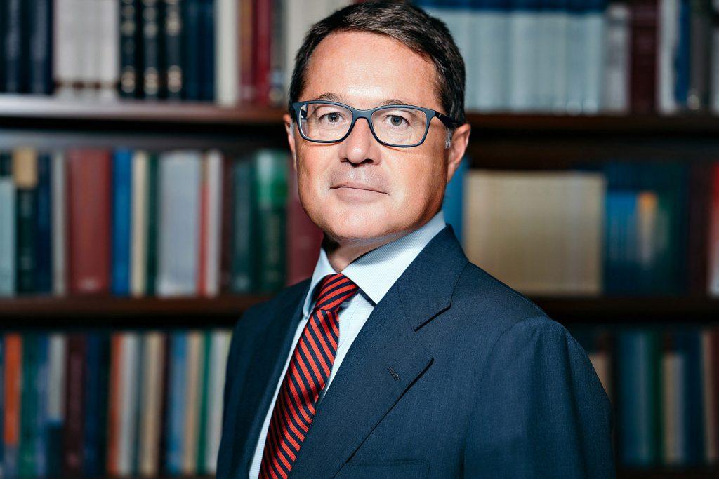 lawyer milan avvocato milano business enviromental ritratto ambientato portrait alberto feltrin