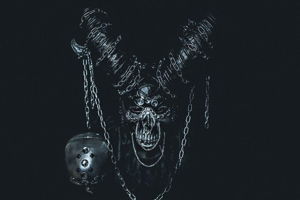 devil portrait ritratto diavolo demone demon chains catene inferno hell skull teschio horns corna black totalblack lowkey alberto feltrin